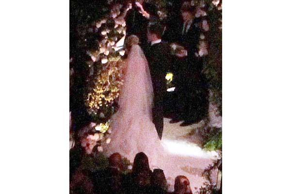 Hilary Duff\'s Wedding Photos - Lela London - Travel, Food, Fashion ...