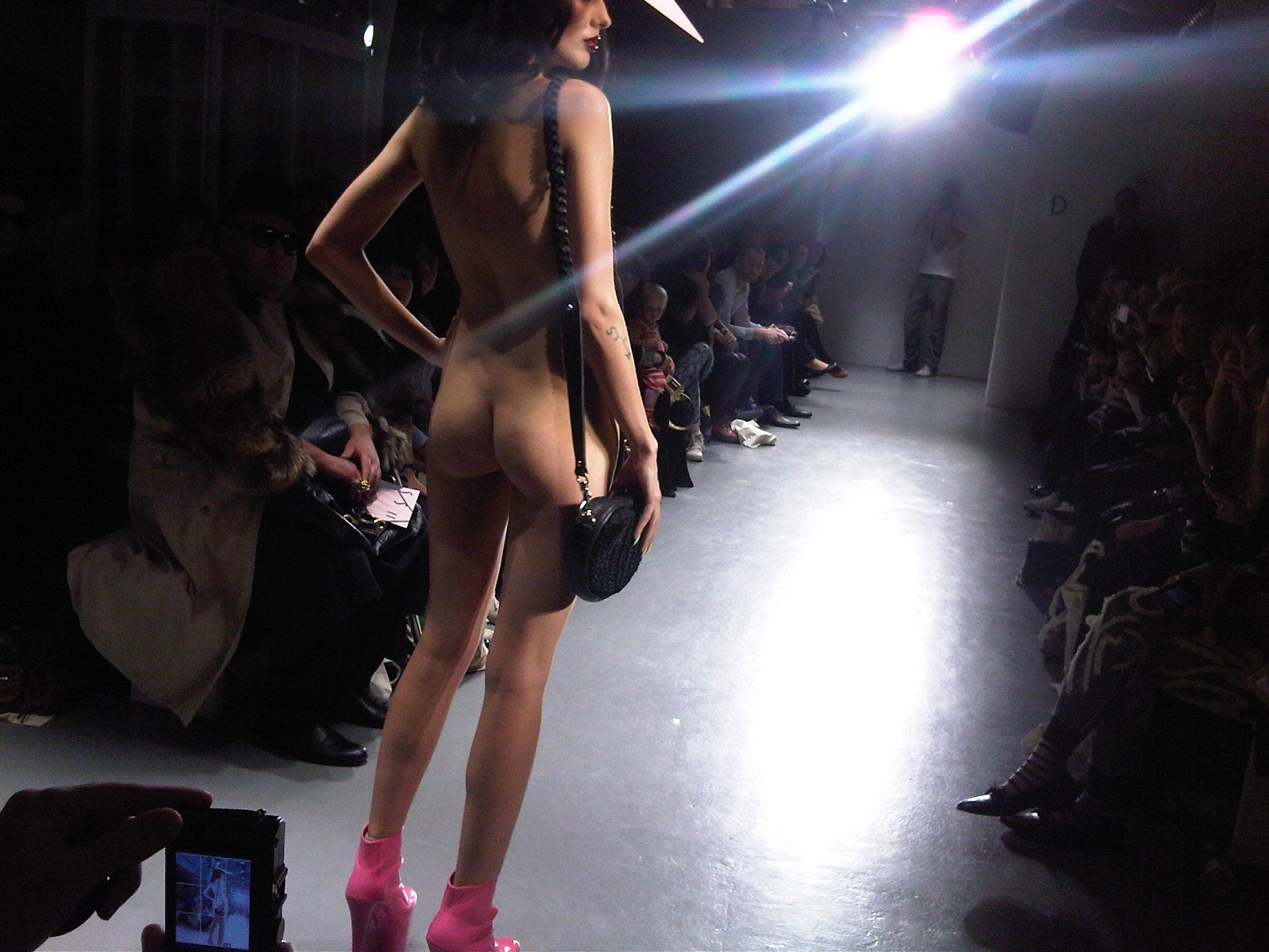 эротика за кулисами моды