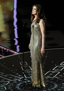 Anne Hathaway Oscars 2011