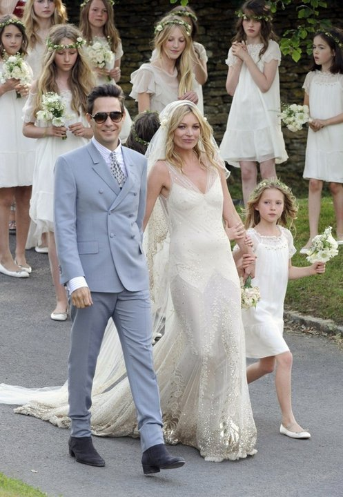 Kate Moss Wedding Dress Archives Lela London Travel Food Fashion Beauty And Lifestyle Blog