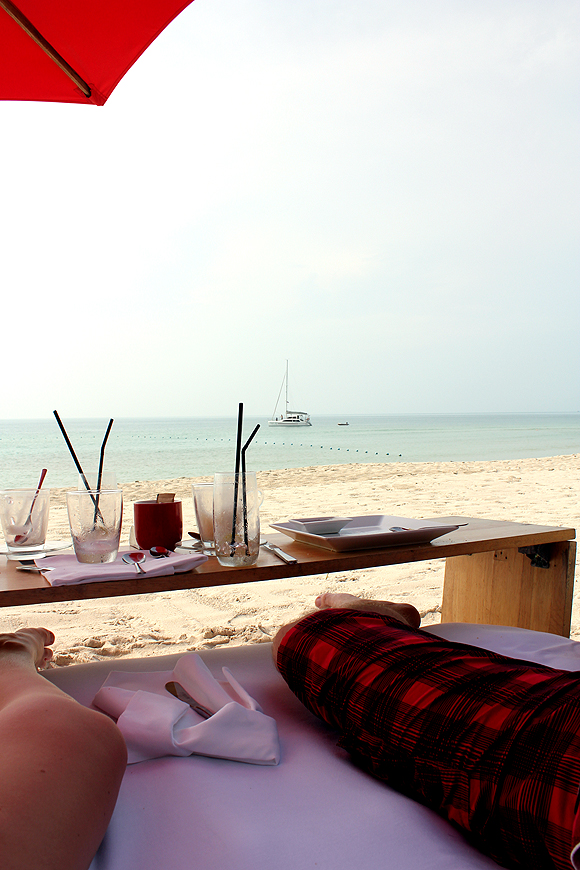 how to meet expats on koh samui