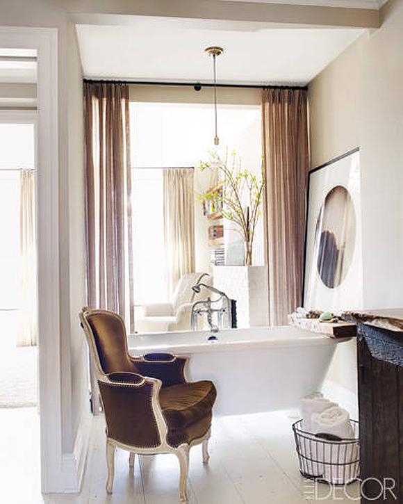 Keri Russell Bathroom