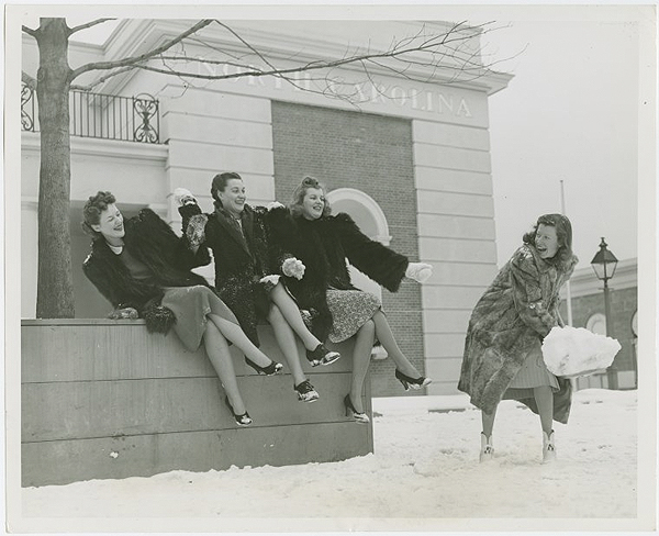new york worlds fair snow fight