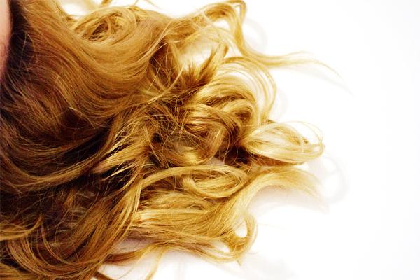 lighten hair with honey