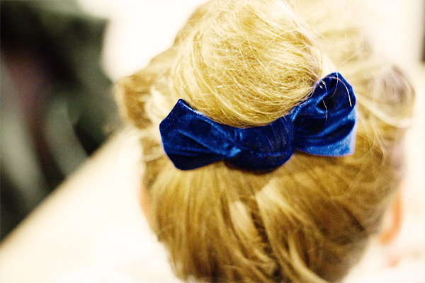 bow topknot