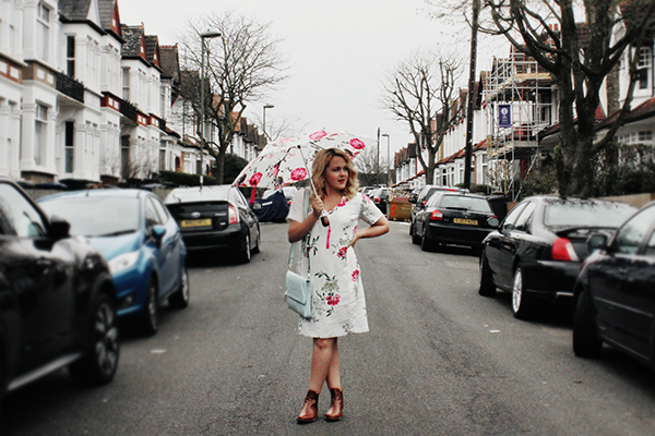 floral umbrella fashion blogger